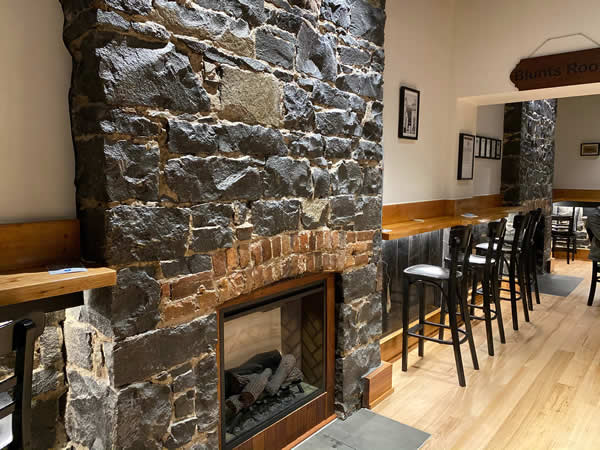 drink by the fire in williamstown